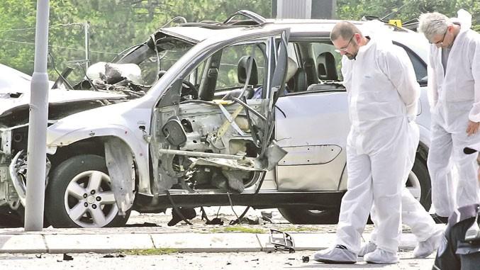 Spurensicherung nach Anschlag mit Autobombe