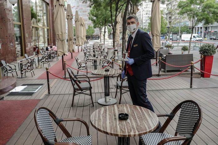 Leeres Cafe in Belgrad