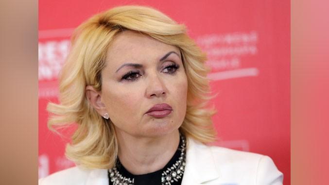 Kisic-Tepavcevic-auf-Pressekonferenz