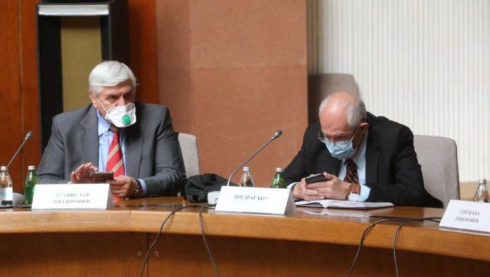 Die Epidemiologen Tiodorovic und Kon vom serbischen Krisenstab