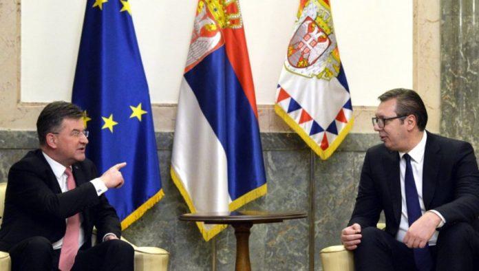 Präsident Vucic ist zum Dialog nach Brüssel gereist