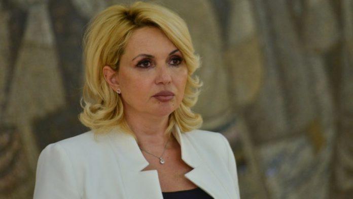 Die Ministerin empfiehlt eine dritte Impfdosis gegen Corona