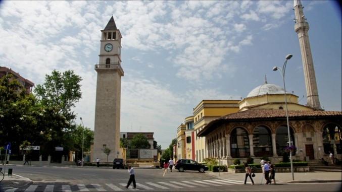 In Tirana sind gestern afghanische Flüchtlinge angekommen